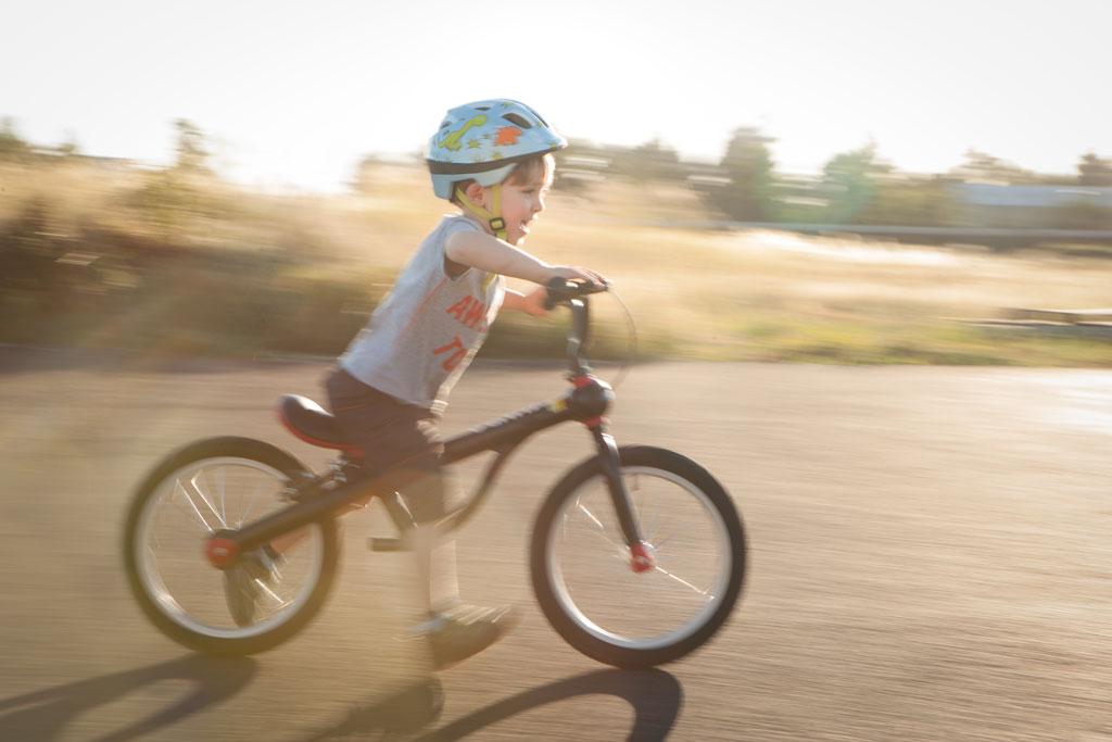 KUNDOは世界で活躍するの子ども用自転車